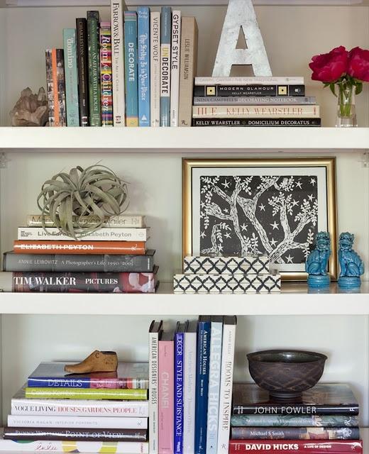 estantes-lamaisondannag-livros-e-objetos